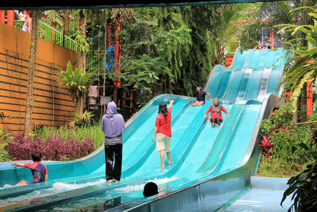 Wahana Racer Slide - The Jungle Waterpark Bogor