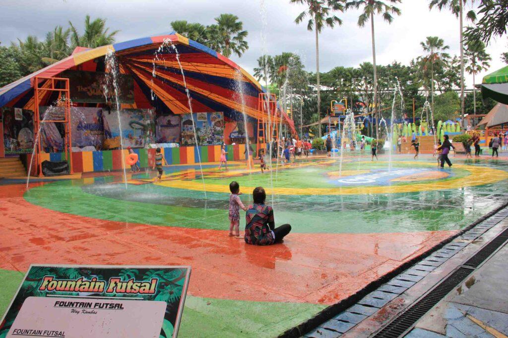 Wahana Fountain Futsal The Jungle Waterpark Bogor